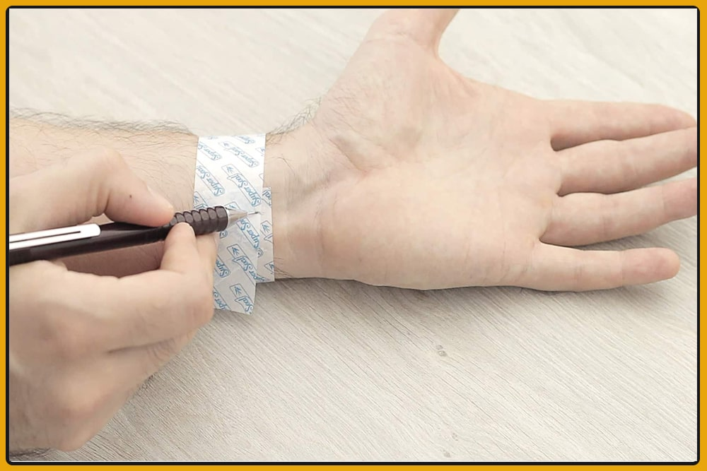 Measuring Wrist Size by Using Sheet of Paper